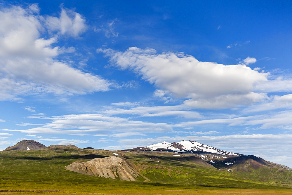 A view of Snaefellsjokull (snow-fell glacier), Snaefellsnes National Park, Snaefellsnes Peninsula, Iceland, Polar Regions