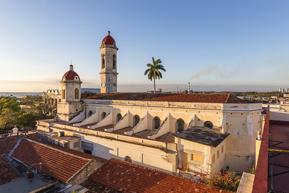The Catedral de la PuriÃÅsima ConcepcioÃÅn in Plaza Josv© Martv?, Cienfuegos, Cuba.