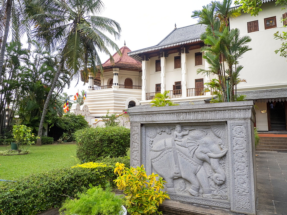 Sri Dalada Maligawa (Temple of the Sacred Tooth Relic), UNESCO World Heritage Site, Kandy, Sri Lanka, Asia