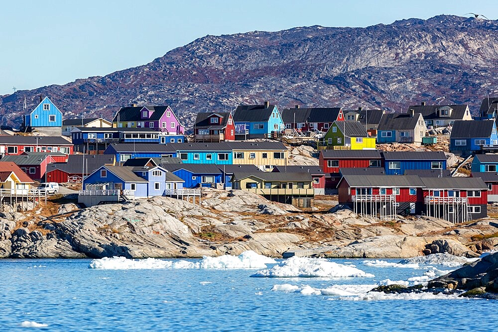 View from the outer bay of the third largest city in Greenland, Ilulissat (Jakobshavn), Greenland, Polar Regions - 1112-5829