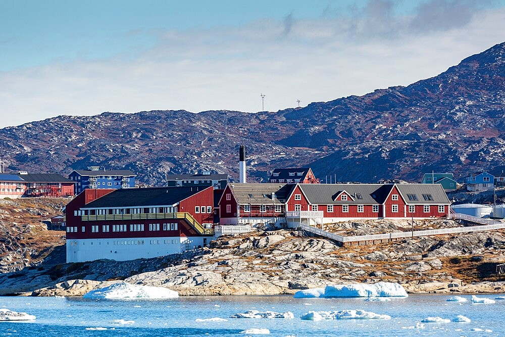 View from the outer bay of the third largest city in Greenland, Ilulissat (Jakobshavn), Greenland, Polar Regions - 1112-5830
