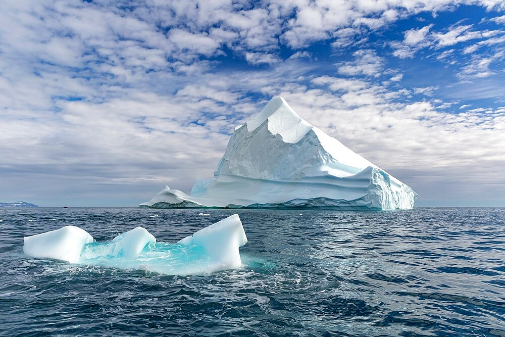 Huge icebergs at Cape Brewster, the easternmost point of the jagged and mountainous Savoia Peninsula, Greenland, Polar Regions - 1112-5864