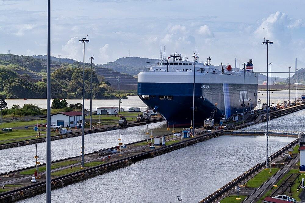 Ships in transit in the Miraflores Locks towards Lake Gatun, near Gamboa, Panama Canal, Panama, Central America - 1112-5876