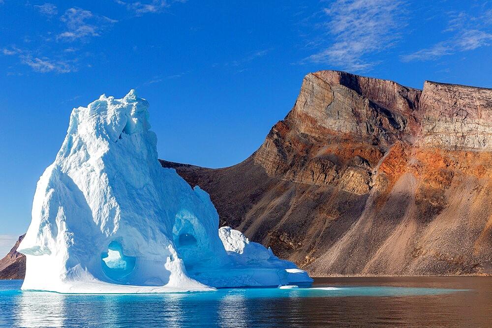 Iceberg in Holms O, Baffin Bay, on the northwest coast of Greenland, Polar Regions - 1112-5885