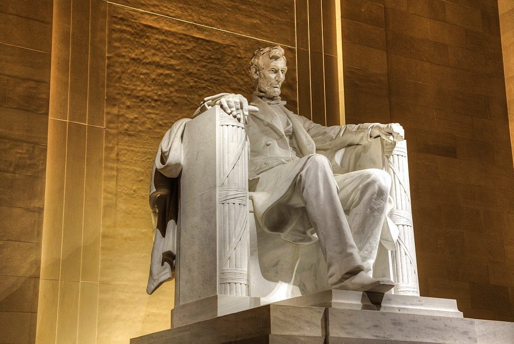 Statue of Abraham Lincoln, Lincoln Memorial, Washington D.C., United States of America