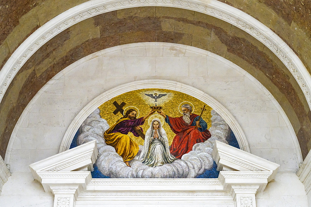Artwork and architectural detail, Basilica of Our Lady of the Rosary, Fatima, Ourem Municipality, Santarem District, Portugal