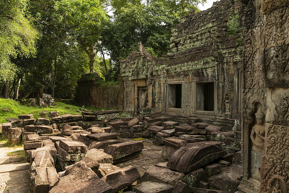 Temple courtyard littered with fallen stone blocks, Preah Khan, Angkor Wat, Siem Reap, Siem Reap Province, Cambodia
