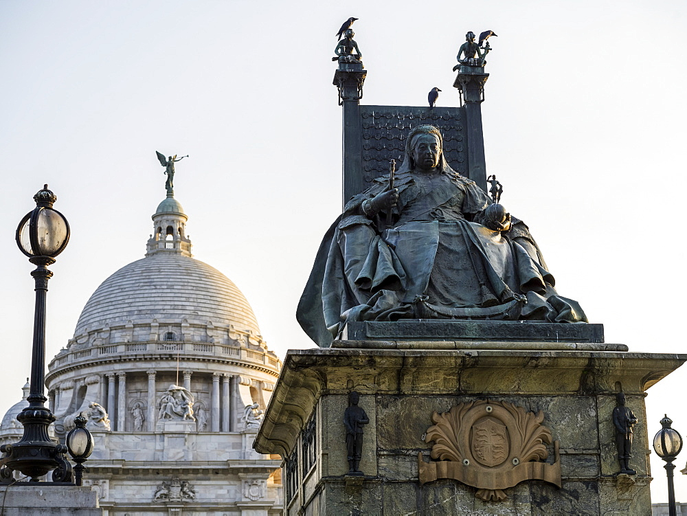 Statue of Queen Victoria at the Victoria Memorial, dedicated to the memory of Queen Victoria, Kolkata, West Bengal, India