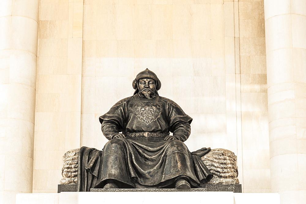 Chinggis Khan statue at Sukhbaatar Square, Ulaanbaatar, Ulaanbaatar, Mongolia