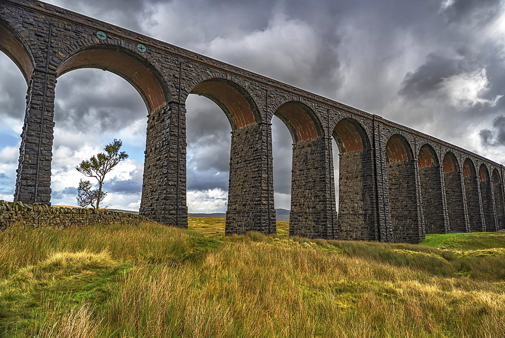 The Ribblehead viaduct carries the Settle-Carlisle railway line and was opened in 1875, Ribblehead, North Yorkshire, England