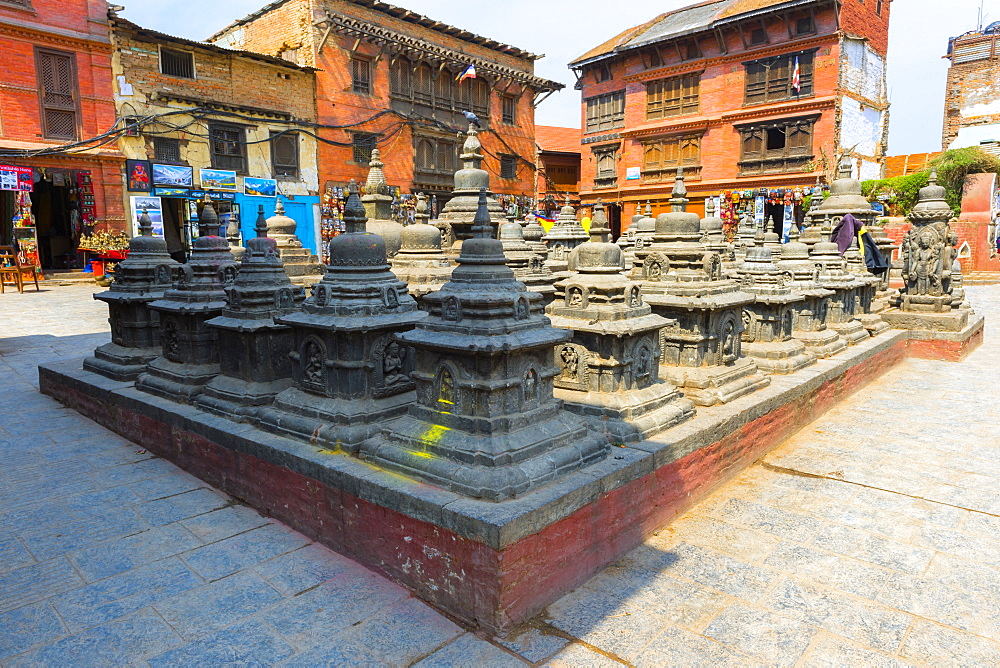 Courtyard with chorten, Swayambunath (Monkey Temple), UNESCO World Heritage Site, Kathmandu, Nepal, Asia