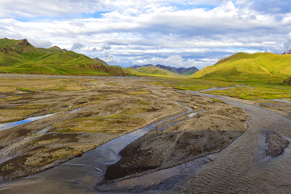 River coming from Kel-Suu mountain range, Kurumduk valley, Naryn province, Kyrgyzstan, Central Asia, Asia - 1131-1060