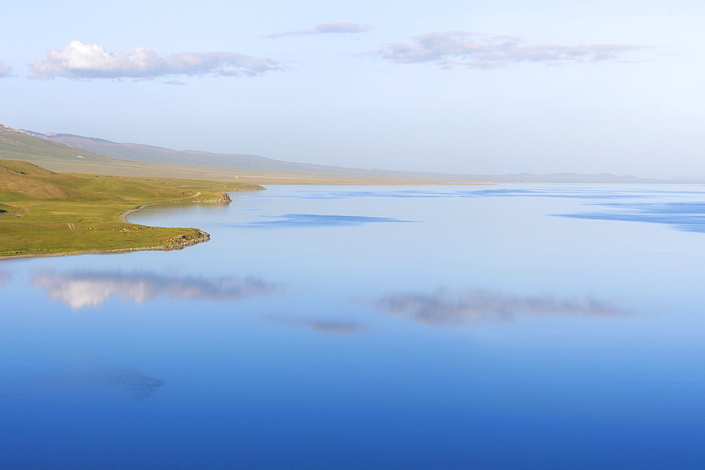 Song Kol Lake, Naryn province, Kyrgyzstan, Central Asia, Asia - 1131-1070