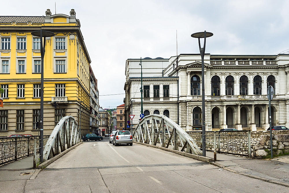 Posta bridge and National Theatre, Sarajevo Old City, Bosnia and Herzegovina - 1131-1166