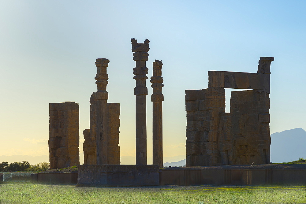 Gate of All-Lands, Persepolis, UNESCO World Heritage Site, Fars Province, Islamic Republic of Iran, Middle East - 1131-1292