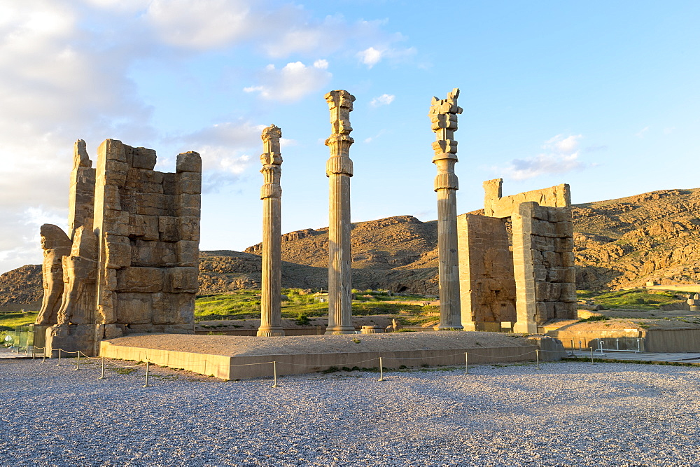 Gate of All-Lands, Persepolis, UNESCO World Heritage Site, Fars Province, Islamic Republic of Iran, Middle East - 1131-1295