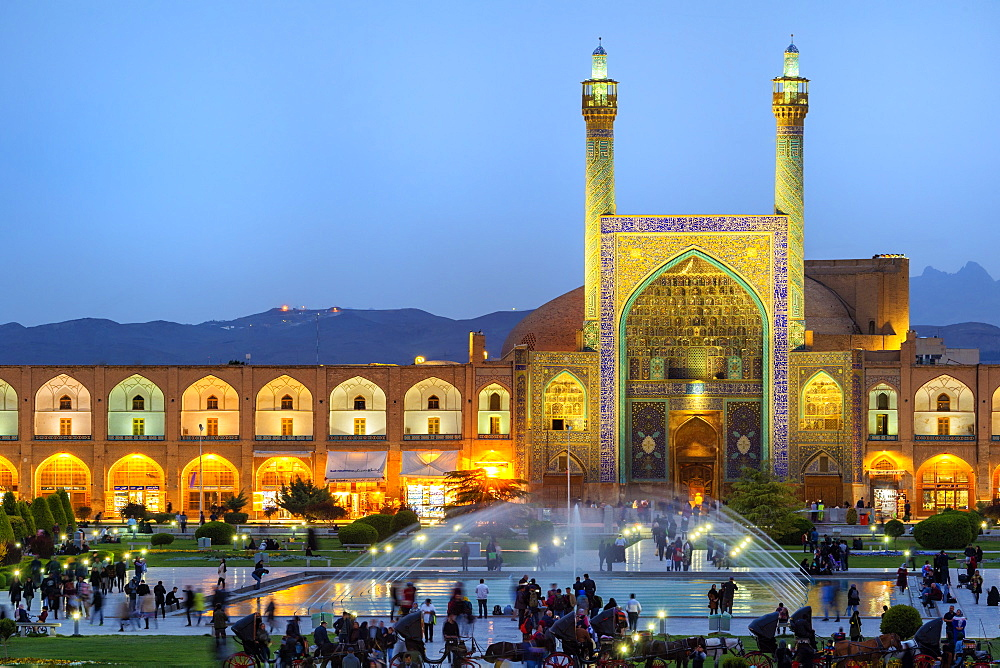 Masjed-e Imam Mosque at sunset, Maydam-e Iman square, UNESCO World Heritage Site, Esfahan, Iran, Middle East