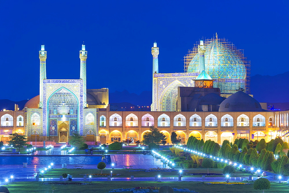 Masjed-e Imam Mosque at sunrise, Maydam-e Iman square, UNESCO World Heritage Site, Esfahan, Iran, Middle East - 1131-1327