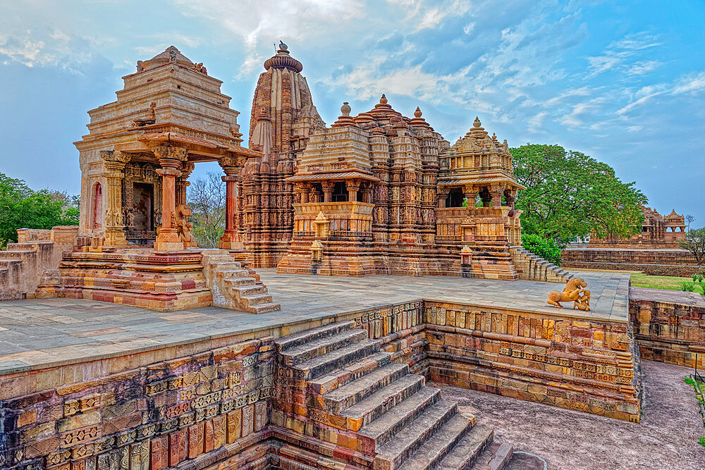 Devi Jagadambika (Jagadambika Temple), Khajuraho Group of Monuments, UNESCO World Heritage Site, Madhya Pradesh state, India, Asia