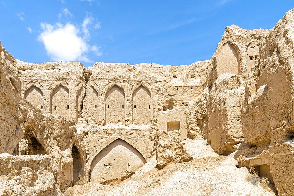 Ruins of Qatruyeh castle, Qatruyeh, Fars Province, Iran, Middle East - 1131-1410