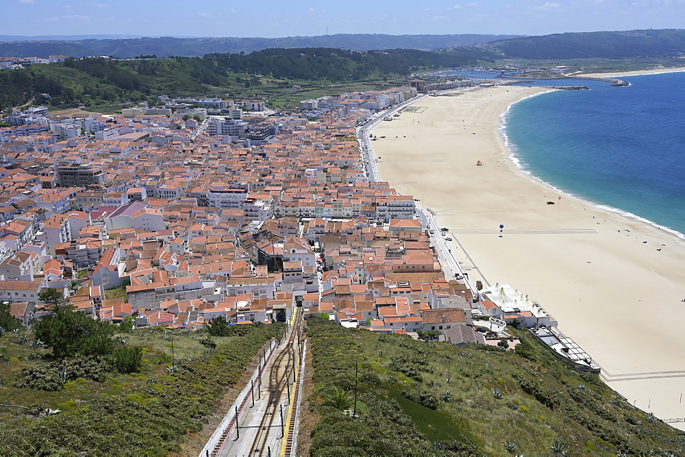 Funicular railway between Sitio and Nazare beach, Leiria district, Portugal, Europe - 1131-1565