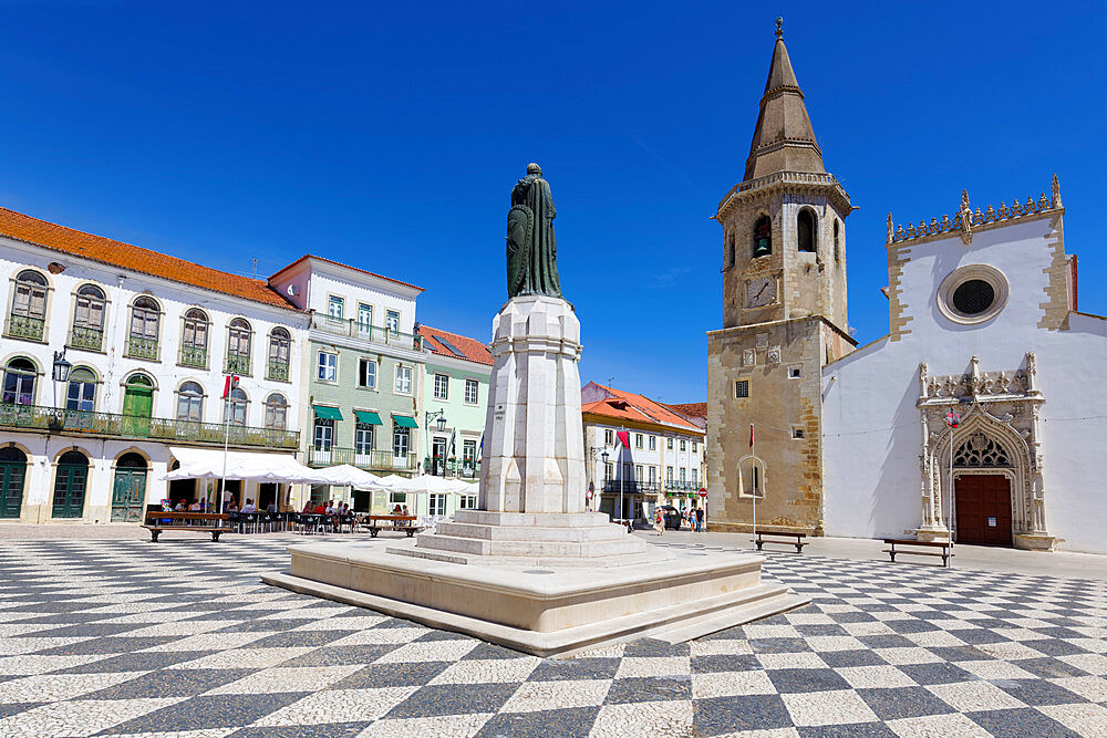 Saint John the Baptist Church, Gualdim Pais statue on Republic Square, Tomar, Santarem district, Portugal, Europe - 1131-1582