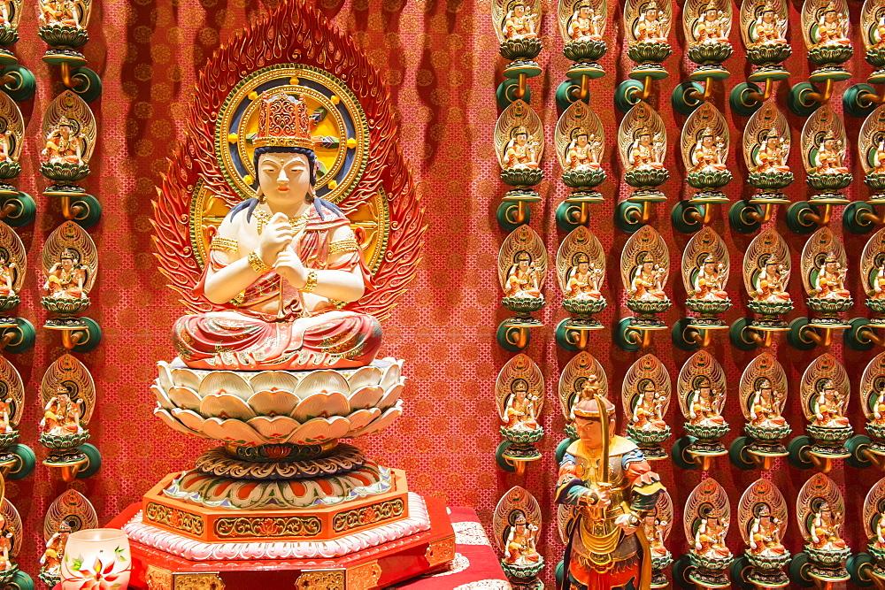 Vairocana Buddha statue, Buddha Tooth Relic Temple, Chinatown, Singapore, Southeast Asia, Asia