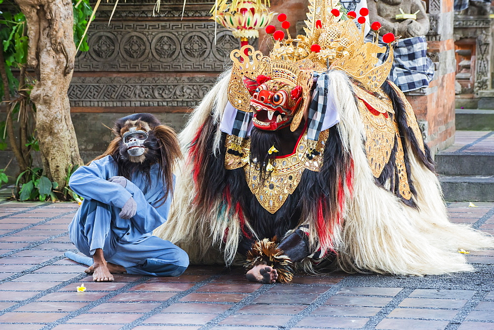Barong and Kris dance, traditional Balinese dance, Ubud, Bali, Indonesia, Southeast Asia, Asia