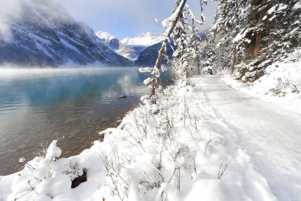 Path along Lake Louise, Banff National Park, UNESCO World Heritage Site, Rocky Mountains, Alberta, Canada, North America