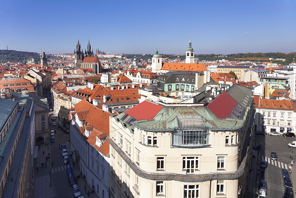 View over the Old Town (Stare Mesto) with Old Town Hall, Tyn Cathedral to Castle District with Royal Palace and St. Vitus cathedral, Prague, Bohemia, Czech Republic, Europe