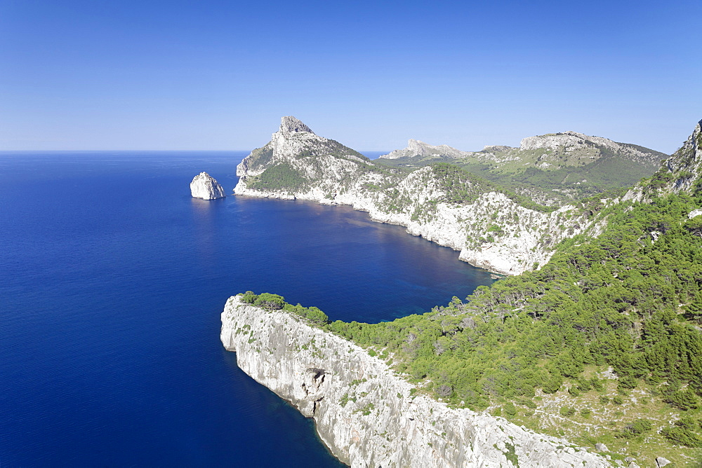 Cap de Formentor (Cape de Formentor), El Colomer Island, Majorca (Mallorca), Balearic Islands (Islas Baleares), Spain, Mediterranean, Europe