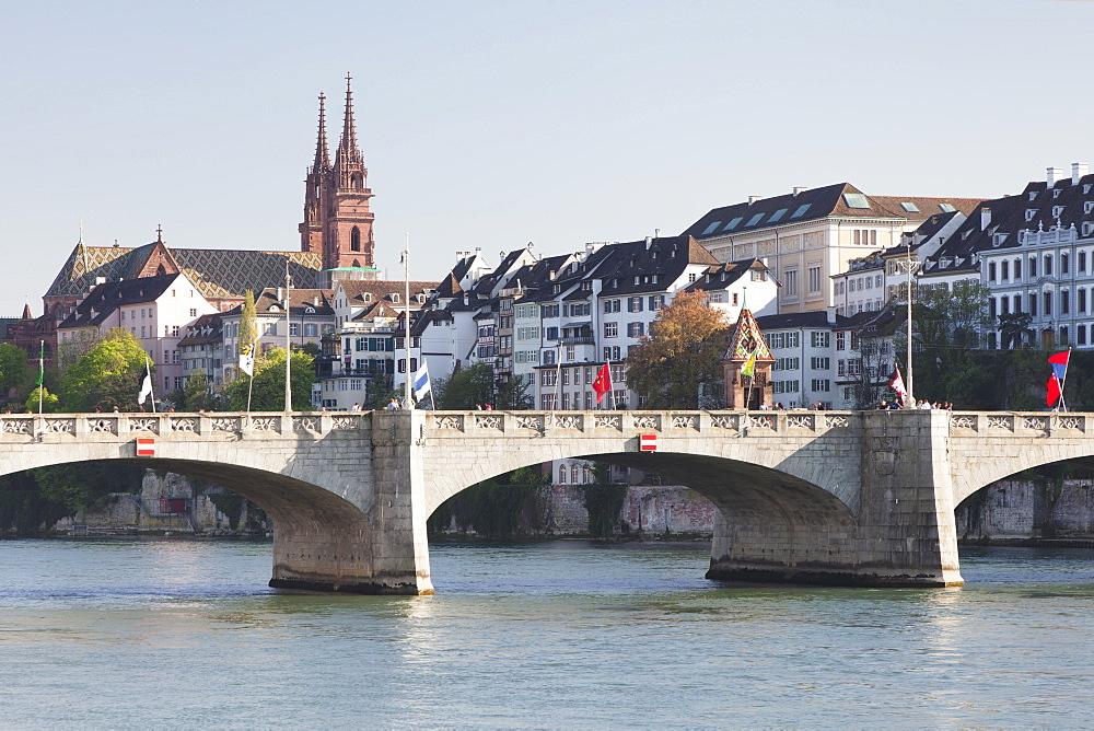 Mittlere Rheinbrucke Bridge and Cathedral, Grossbasel, Basel, Canton Basel Stadt, Switzerland, Europe