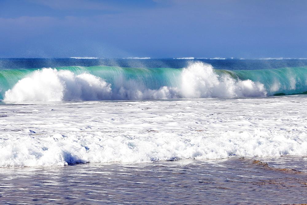 Waves at the beach, Playa del Castillo, El Cotillo, Fuerteventura, Canary Islands, Spain, Atlantic, Europe