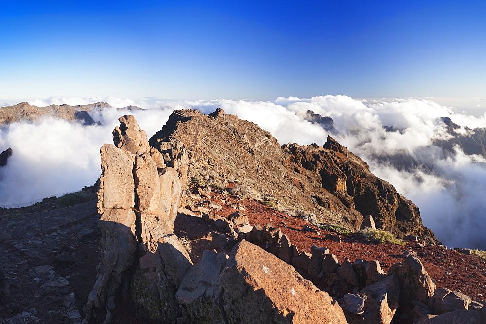 View from Roque de los Muchachos into Caldera de Taburiente, Parque Nacional de la Caldera de Taburiente, UNESCO Biosphere Reserve, La Palma, Canary Islands, Spain, Europe