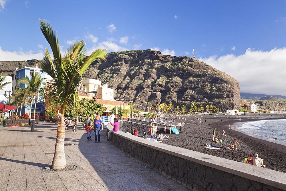 Promenade at the beach of Puerto de Tazacorte, La Palma, Canary Islands, Spain, Atlantic, Europe