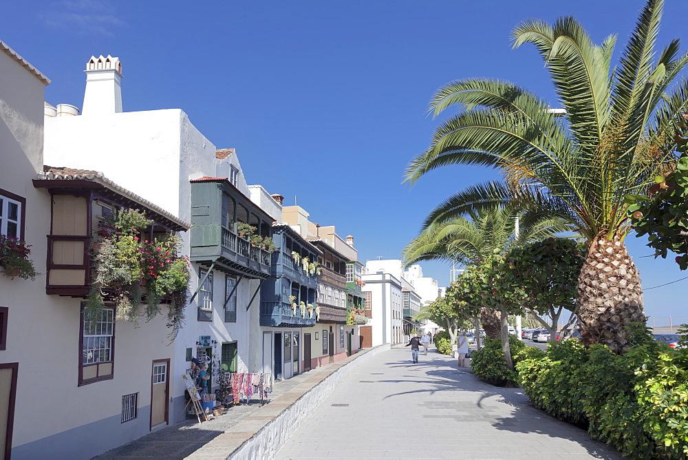 Los Balcones, traditional houses with wooden balconies, Avenida Maritima, Santa Cruz de la Palma, La Palma, Canary Islands, Spain, Europe
