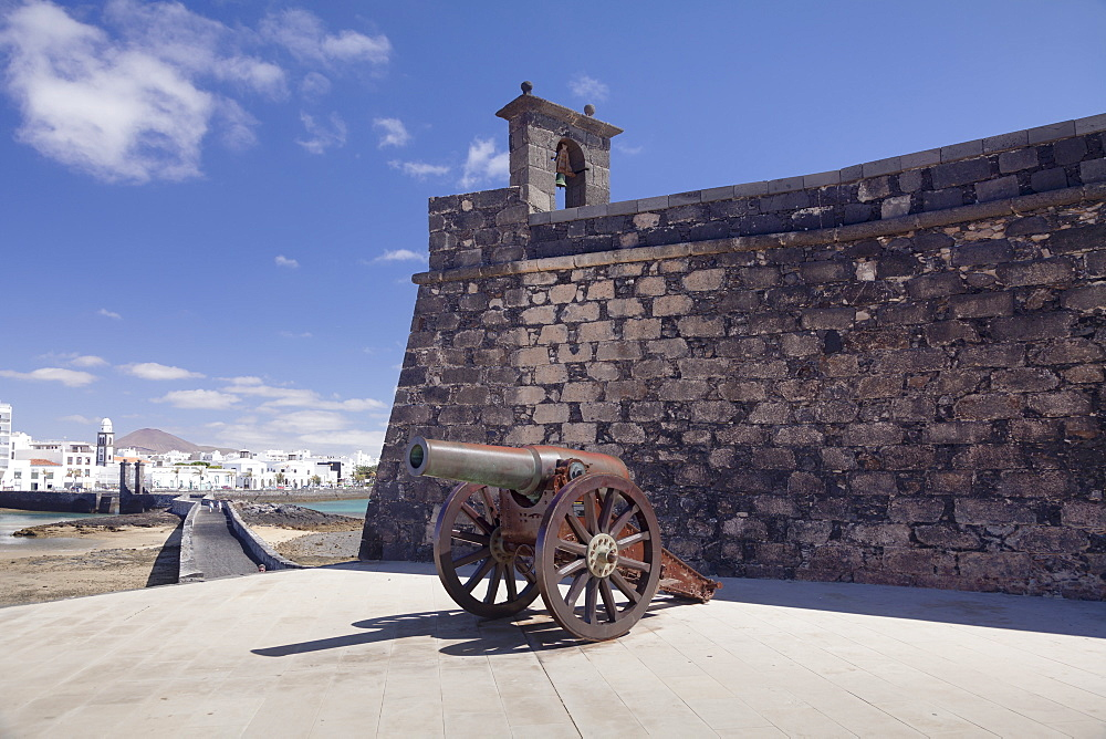 Castillo de San Gabriel fortress, guns, Arrecife, Lanzarote, Canary Islands, Spain, Atlantic, Europe