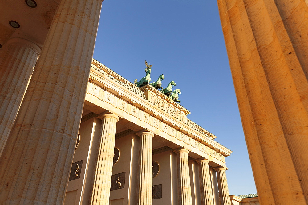 Brandenburg Gate (Brandenburger Tor) at sunrise, Quadriga, Berlin Mitte, Berlin, Germany, Europe - 1160-3074