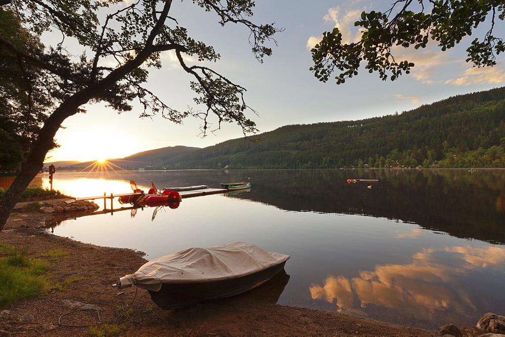 Titisee Lake at sunrise, Black Forest, Baden-Wurttemberg, Germany, Europe