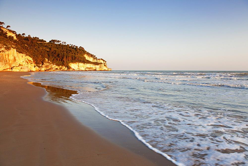 Spiaggia di Jalillo beach, Peschici, Gargano, Foggia Province, Puglia, Italy, Mediterranean, Europe