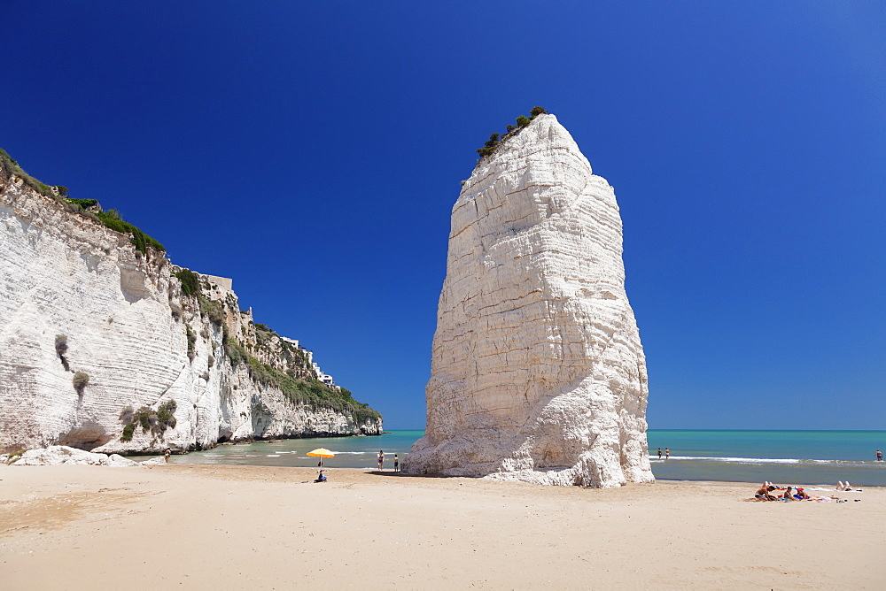 Pizzomunno rock, Castello beach, Vieste, Gargano, Foggia Province, Puglia, Italy, Mediterranean, Europe