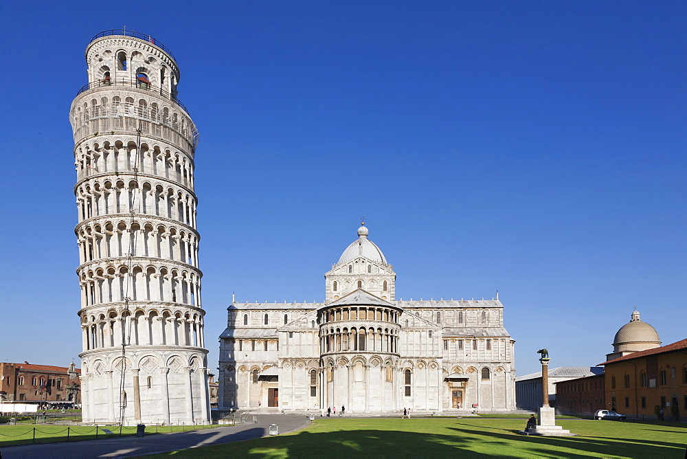 Leaning Tower (Torre Pendente) and Duomo, UNESCO World Heritage Site, Piazza dei Miracoli, Pisa, Tuscany, Italy, Europe