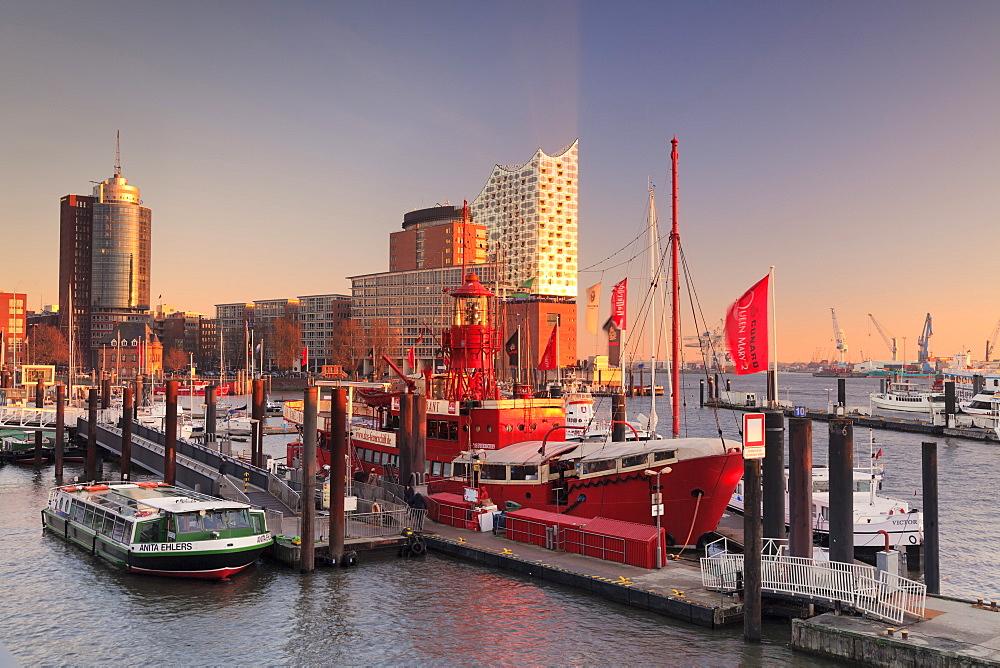 Elbphilharmonie at sunset, Elbufer, HafenCity, Hamburg, Hanseatic City, Germany