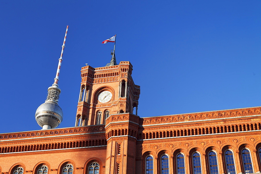 Rotes Rathaus (Red Town Hall), Berliner Fernsehturm TV Tower, Berlin Mitte, Berlin, Germany, Europe