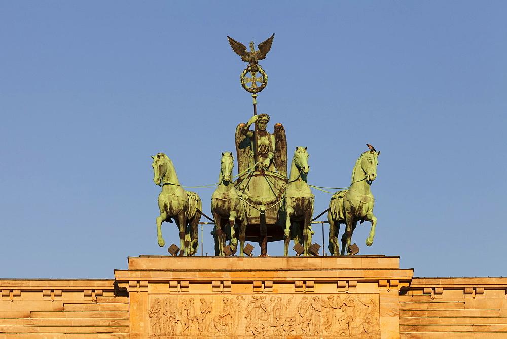 Brandenburg Gate (Brandenburger Tor), Quadriga, Berlin Mitte, Berlin, Germany
