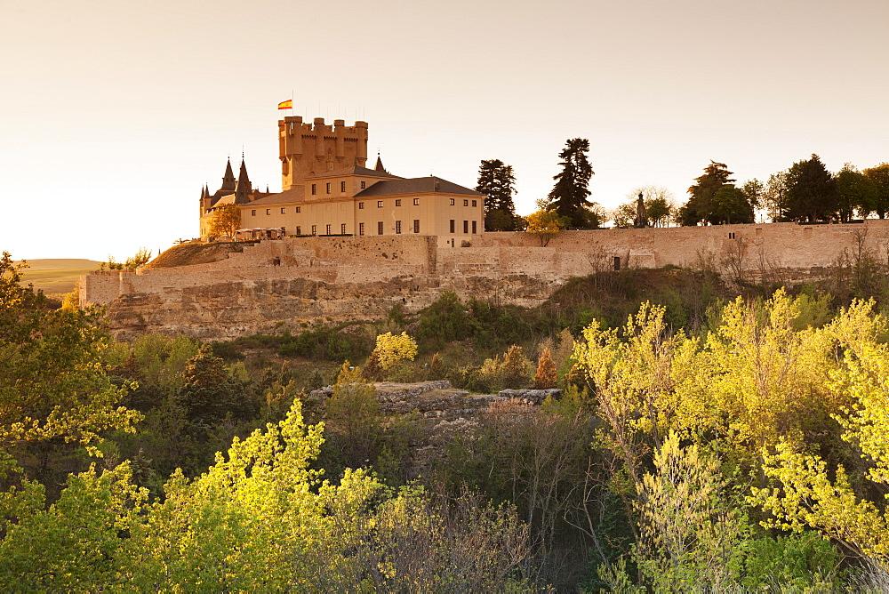 Alcazar at sunset, UNESCO World Heritage Site, Segovia, Castillia y Leon, Spain