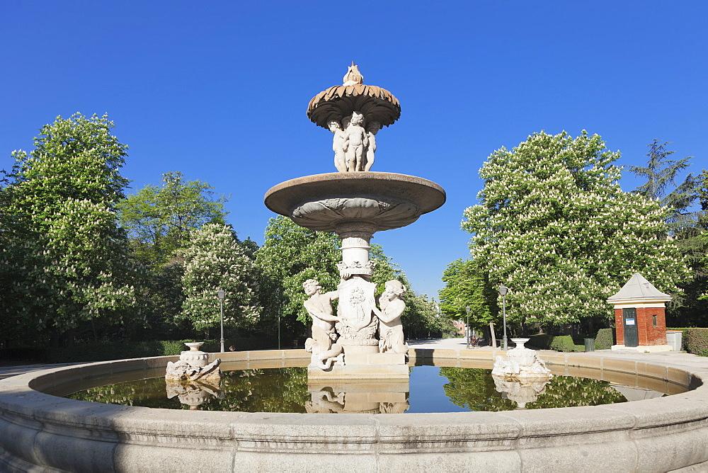 Fountain, Retiro Park, Parque del Buen Retiro, Madrid, Spain