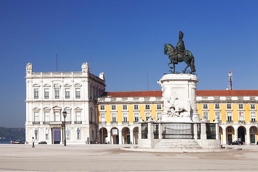 Praca do Comercio, monument of King Jose I, Baixa, Lisbon, Portugal, Europe