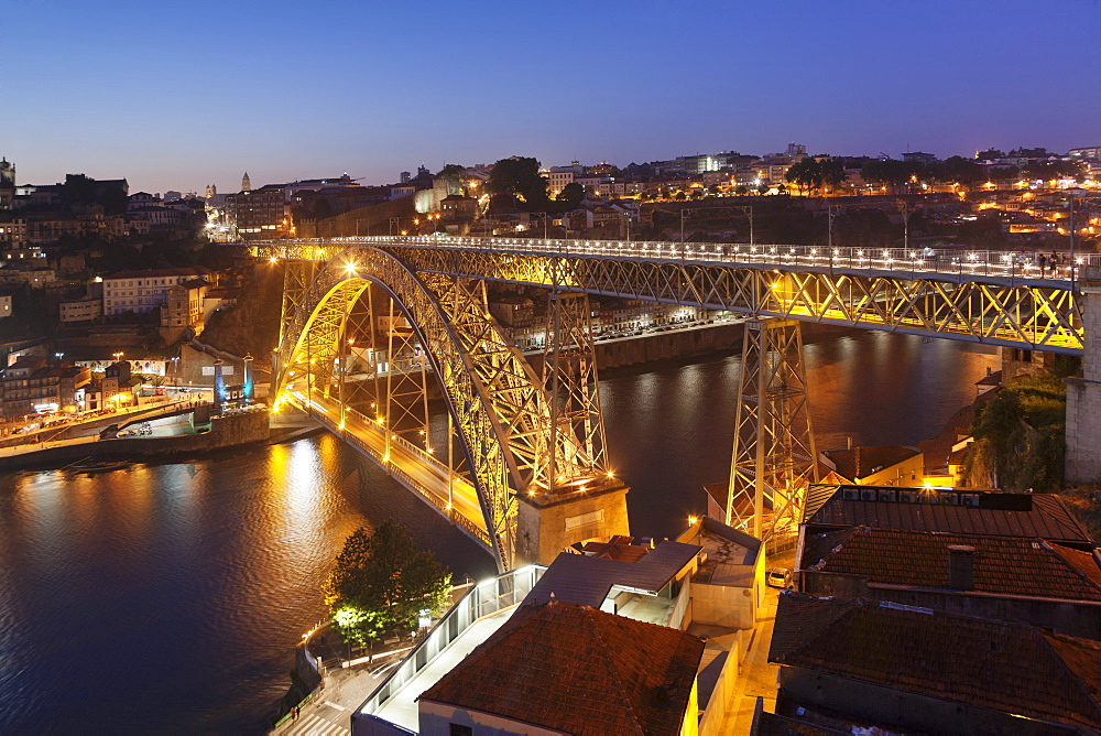 Ponte Dom Luis I. Bridge, UNESCO World Heritage Site, Douro River, Porto, Oporto, Portugal