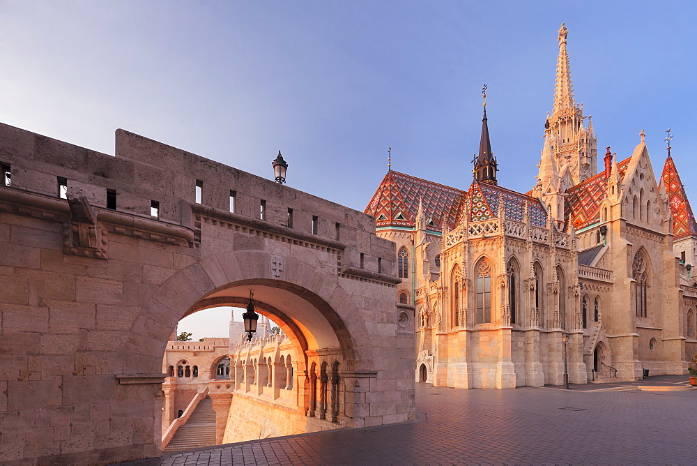 Matthias Church, Fisherman's Bastion, Buda Castle Hill, Budapest, Hungary, Europe